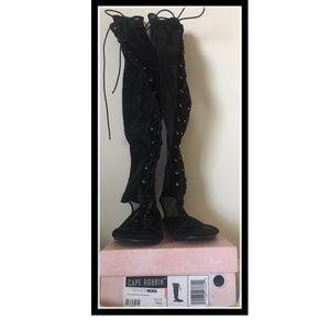 Brand New Tall Cape Robbin Sandals